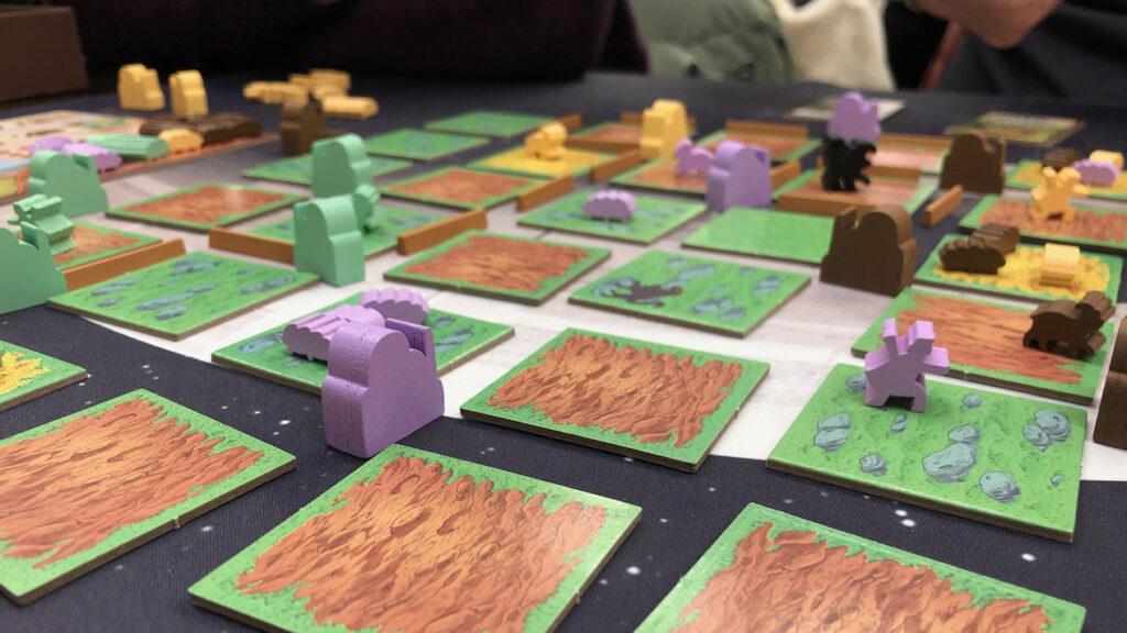 Das Spiel Silk auf einem Tisch